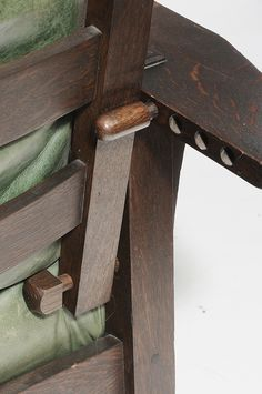 Brunk Auctions - Arts and Crafts Stickley Morris Chair