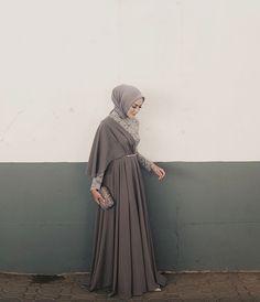 53 Trendy Dress Brokat Syari 53 Trendy Dress Brokat Syari Source by brokat Kebaya Muslim, Kebaya Hijab, Kebaya Dress, Dress Pesta, Muslim Dress, Batik Muslim, Hijab Gown, Hijab Dress Party, Hijab Style Dress