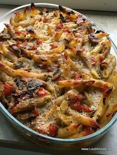 Veganer Nudelauflauf mit Paprika und Champignons - klingt sehr gut! ich würde noch getrocknete Tomaten und Oliven dazugeben