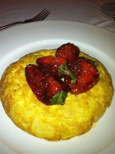 Tipical Spanish Tortilla de Patatas con Pimientos - BROOKEI Restaurant, Madrid