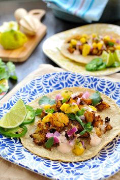 Roasted Cauliflower Street Tacos - simple, savory, husband-endorsed. Serveware by @Q Squared NYC // www.thepigandquill.com #glutenfree #vegeta...