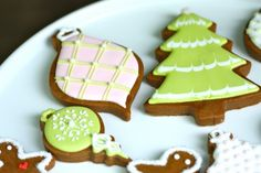 {Video} How to Pipe Lines With Royal Icing - Top 10 Tips
