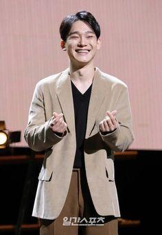 Exo Chen, Sehun, Boy Bands, Boy Groups, Suit Jacket, Blazer, Boys, Jackets, Handsome