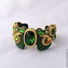Купить Браслет Маюраттам (Majurattam) - тёмно-зелёный, золотой, браслет, кристаллы сваровски, жемчуг Сваровски