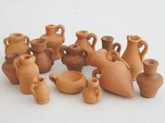 Miniature Crafts, Miniature Dolls, Christmas Nativity Scene, Wheel Thrown Pottery, Barbie Furniture, Game Pieces, Ceramic Clay, Miniture Things, Clay Creations
