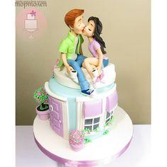 Where he is kissing on chiks or lips yarr samj nai araha ha muhje Cake Icing, Fondant Cakes, Eat Cake, Cupcake Cakes, Fancy Cakes, Cute Cakes, Beautiful Cakes, Amazing Cakes, Happy Anniversary Cakes