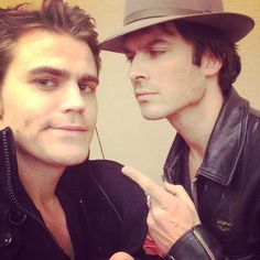 Ian Somerhalder - 14/12/14 - Stuck with this jerk on a Sunday. http://instagram.com/p/wl_T_ESVCY/ - Twitter / Instagram Pictures