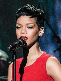 One of our favorite looks of this beauty chameleon is this short and sweet 'do that highlights her gorgeous face. Rihanna Hairstyles, Short Black Hairstyles, Little Girl Hairstyles, Pixie Hairstyles, Pixie Haircut, Celebrity Hairstyles, Haircuts, Rihanna Pixie Cut, Rihanna Short Hair
