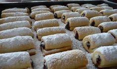 Šišky ľahučké ako pierko – v rúre sa krásne nafúknu: Žiadne vyprážanie a do cesta pridajte tvaroh – lepšie pečivo sme ešte nejedli! - Báječná vareška Poppy Seed Cake, Delicious Desserts, Poppies, Nutella, Seeds, Healthy Recipes, Bread, Cheese, Canning