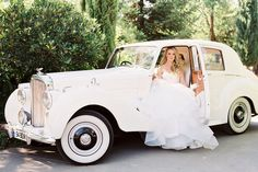 Luxury Wedding Car Hire London - Smart City Weddings offers an exceptional range of luxury wedding cars including Rolls Royce Phantom, Ghost, Dawn and more. Vintage Rolls Royce, Bentley Continental, Wedding Car Hire, Luxury Wedding, Dream Wedding, Limousine, Bentley Auto, Vintage Cars, Antique Cars