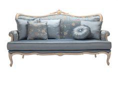 Метки: Маленькие диваны.              Материал: Ткань, Дерево.              Бренд: DG Home.              Стили: Классика и неоклассика.              Цвета: Голубой.
