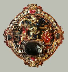 Gold medallion with Sacrifice of Isaac by Anonymous from Poland, turn of the and century, Treasury of the Jasna Góra Monastery. Polish Clothing, Gold Medallion, Poland, Lithuania, St Michael, Middle Ages, 17th Century, Gold Pendant, Anonymous
