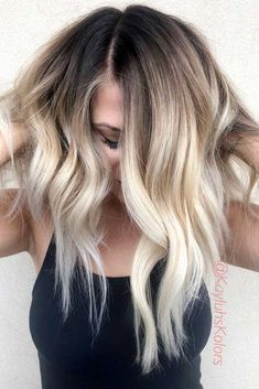 Schöne braune bis blonde Ombre kurze Haare - Ombre Hair brown to blonde ombre short hair Blonde Ombre Short Hair, Balayage Blond, Cool Blonde Hair, Ombre Hair Color, Hair Color Balayage, Blonde Color, Wavy Hair, Choppy Hair, Short Ombre