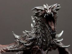 Bethesda today unveiled a screenshots that will get all fans of Skyrim up close to the Dragon in Collector's Edition of the game. The dragon looks sweet Clay Dragon, Dragon Head, Dragon Art, Creature Concept Art, Creature Design, Edition Collector, Elder Scrolls Skyrim, Small Sculptures, Fantasy Dragon
