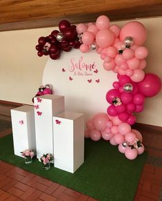 partial column lay on side with weights and add more balloons Ballon Decorations, Birthday Party Decorations, Party Themes, Wedding Decorations, Birthday Parties, Balloon Columns, Balloon Arch, Balloon Garland, Deco Buffet