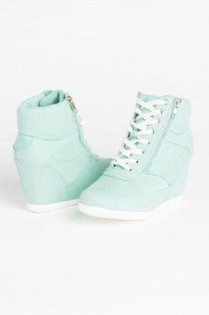 db87a4a28d7f 320 Best shoes images in 2019