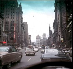 7. A steady flow of traffic in 1968 on State Street in Albany!