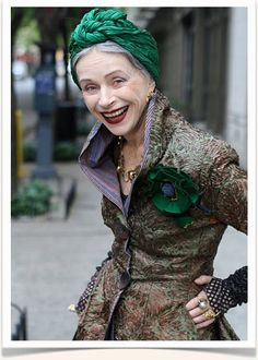 This older lady is so fabulous. I want to be her when I get old.
