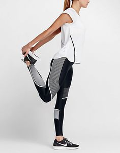 I probably wear leggings 5 days out of 7. It's something about the cut and the fit – and the fact they hold me in in all the right places! As with all things fashion, activewearcolle…