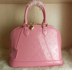 Alma PM Louis Vuitton & LV – CHICS – Beautiful Handbags & Accessories