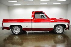 I absolutely am keen on the things they did with this tailor-made 67 72 Chevy Truck, Chevy 1500, Lifted Chevy, Chevy Pickups, Lowered Trucks, C10 Trucks, Hot Rod Trucks, Pickup Trucks, Square Body