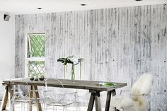 Modern Interior Design Trends in Wall Coverings Challenging Traditional Wall Design Ideas Look Wallpaper, Interior Wallpaper, Textured Wallpaper, Wallpaper Ideas, Wall Wallpaper, Wallpaper Awesome, Concrete Interiors, Contemporary Wallpaper, Inside Design