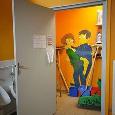 Artist @oakoak_street_art #mural #wallart #simpsons #thesimpsons #mattgroening #school #sprayart #spraypaint #arteurbano #streetart #graffiti #graphicdesign #contemporaryart