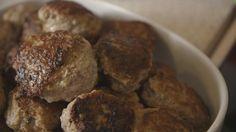 Intet slår slagter-frikadellen i smag og saftighed. Med denne opskrift fra programmet Spis og Spar kan du lave dine helt egne slagter frikadeller derhjemme.
