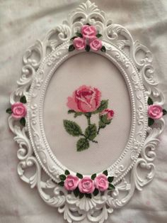This Pin was discovered by Zey Silk Ribbon Embroidery, Hand Embroidery, Embroidery Designs, Cross Stitch Rose, Cross Stitch Flowers, Cross Stitch Designs, Cross Stitch Patterns, Cross Stitching, Cross Stitch Embroidery
