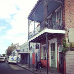 """See 2776 photos from 26085 visitors about jazz music, architecture, and french market. """"Visit Cafe du Monde in the evening - no lines. Great Places, Places Ive Been, Places To Go, I Want To Travel, French Quarter, Things I Want, Map, Architecture, Outdoor Decor"""