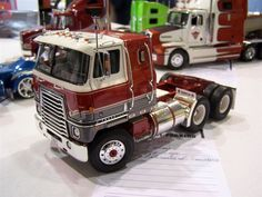 International Transtar always loved the looks of these old international Cab over trucks Rc Cars And Trucks, Trucks And Girls, Big Rig Trucks, Cool Trucks, Semi Trucks, Navistar International, International Harvester Truck, Model Truck Kits, Model Kits