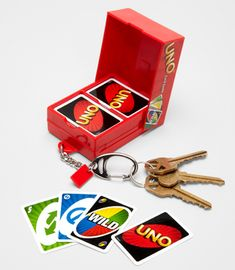 Mini Uno Card Game, on a key chain? Uno Card Game, Uno Cards, Card Games, Cool Keychains, Cute Keychain, Cute Little Things, Cool Things To Buy, Mini Craft, Cute Charms