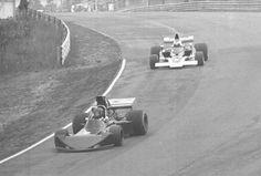 (9) John Cannon - March 73A [2] Chevrolet V8 - Anglo American Racing - (5) Mario Andretti - Lola T332 [HU29] Chevrolet V8 - Vel's Parnelli Jones Racing Team/Viceroy - Labatt's Blue 5000 - Mosport Park - 1975 SCCA/USAC F5000 Championship, round 2