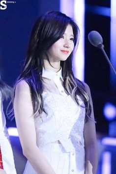 TWICE - Sana Beautiful Smile, Beautiful Asian Girls, Life Is Beautiful, Kpop Girl Groups, Kpop Girls, Sana Cute, Sana Minatozaki, Twice Sana, K Pop Music