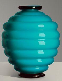 1930 Venini glass vase by Napoleone Martinuzzi