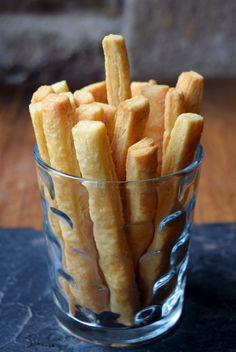 Classic Cheese Straws // www.rachelphipps.com @rachelphipps