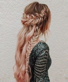 I'm so excited about today's post because today we came with new & different ideas. We invite you to see the wedding Braided Hairstyles for 2018. The ultimate inspiration of your wedding day hairstyles. Now in front of you, you can look our favorite, pretty & cute hairstyles for your incoming event in 2018.