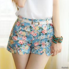 #summer #shorts #trend #outfitideas | Belted and Floral High Waisted Shorts Summer Outfit