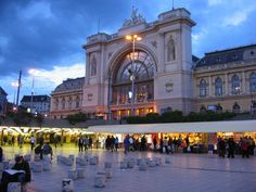 I stayed in a hostel very close to here    Budapest Train Station- Keleti