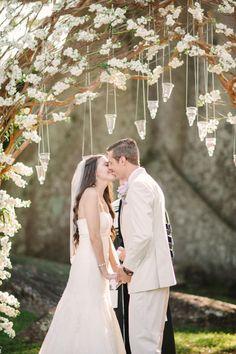 Romantic Florida wedding at Royal Poinciana Chapel: http://www.stylemepretty.com/2014/06/04/romantic-florida-wedding-at-royal-poinciana-chapel/ | Photography: http://bestphotographyfl.com/