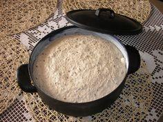 Po príchode z práce vyberiem z chladničky a šup so rúry. Sourdough Recipes, Griddle Pan, Food To Make, Food And Drink, Homemade, Baking, Kitchen, Breads, Party