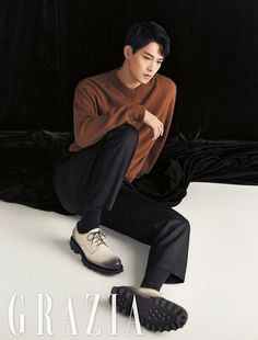 Surprise, surprise! Our lovely Lee Jong Hyun from CNBlue speaks out in the October version of Grazia – saying his original hometown is Busan, he'd love to try playing a character with a…