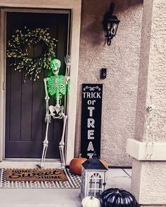 """👻Are you spooking home shoppers away?!👻 I see it all the time, and I know it's tempting—price a home too high just """"to see if anyone bites."""" 🧟♀️The reality is this misguided approach often comes back to bite the seller.   Here's why:  🎃Pricing a home too high when it hits the market spooks off buyers. It makes them question a seller's intentions and wonder if they're serious about selling. Remember, buyers (and their agents) have done their research and they know what a home is worth.  Las Vegas Real Estate, All Seeing, I See It, Comebacks, Neon Signs"""