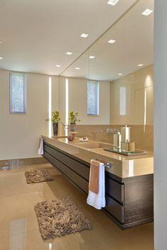 Baños de estilo moderno por Beth Marquez Interiores