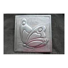 Resultado de imagen para moldes de repujado en aluminio Pewter Art, Pewter Metal, Copper Metal, Tin Foil Art, Tin Art, Grabar Metal, Aluminum Foil Crafts, Yin Yang, Soda Can Crafts
