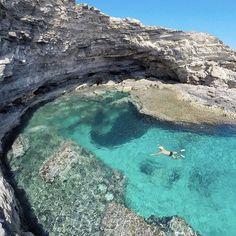 Grotta Mare Morto, Italy