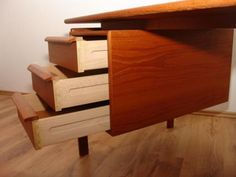 G.V. Teak Schreibtisch Made in Denmark inkl. Teaksessel 1960/70er in Niedersachsen - Salzgitter | Kunst und Antiquitäten gebraucht kaufen | eBay Kleinanzeigen