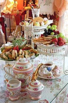 Art, Books, Tea: Shabby Chic Tea Party~