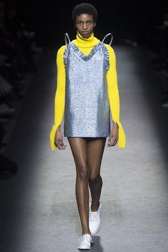 Jacquemus Fall 2016 Ready-to-Wear Fashion Show - Kathia Nseke