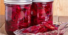Homemade Fermented Beets: Alkalize and Detox your Body - Nutrition & Food Recipes Homemade Pickled Beets Recipe, Canned Pickled Beets, Power Pressure Cooker, Pressure Cooker Recipes, Pressure Cooking, Beet Recipes, Cooking Recipes, Healthy Holistic Living, Detox Your Body